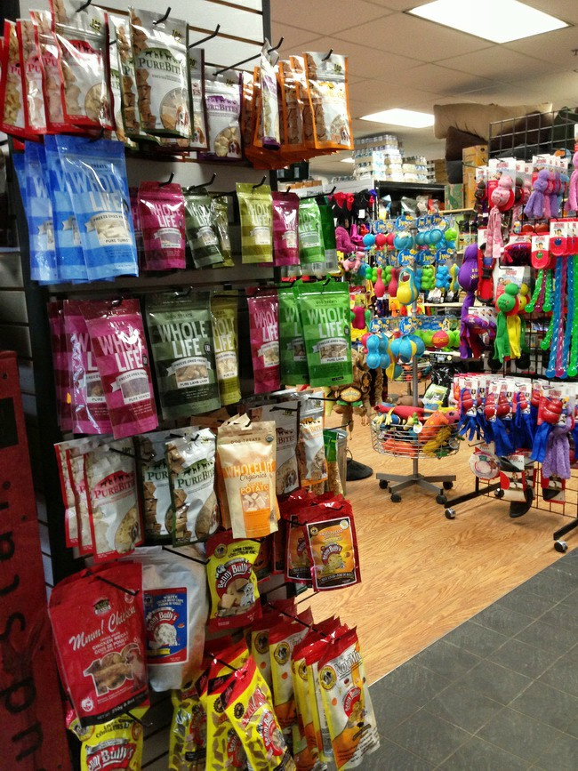 Pet Food Store Montreal